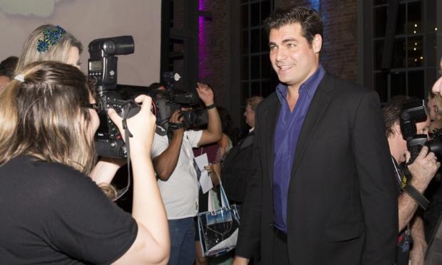 Marcos disputará amor de Laura (Nathália Dill) com Caíque (Sérgio Guizé) em trama cercada de contato com espíritos.